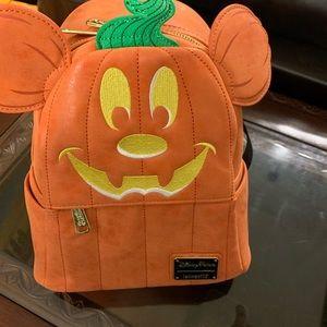 NWT Mickey Pumpkin Loungefly Mini